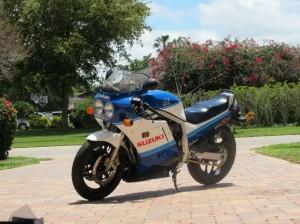 1987-suzuki-gsx-r-750-l-side-front-730x547